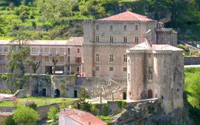 Le château de Largentière